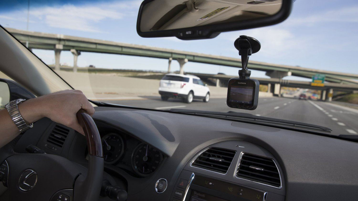 Insurance companies offer 5% discount on net premiums for vehicles equipped with Dash Camera (Dashboard Video Camera)